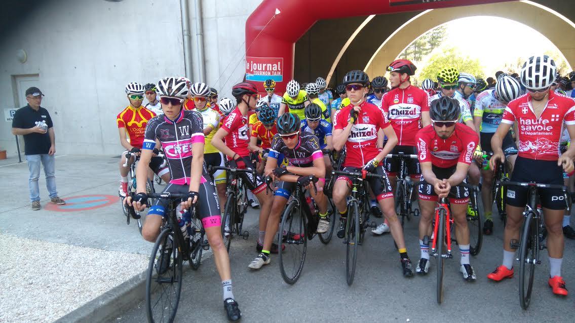 Max et Lupo au départ du GP de la ville d'Aubenas